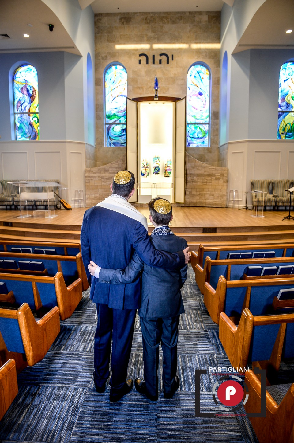 TEMPLE BETH AM, PARTIGLIANI PHOTOGRAPHY - NATHAN GOLDIN-10